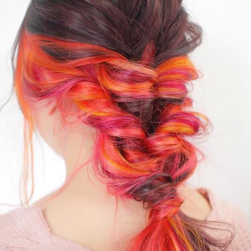 ヘアスタイル ヘアカラー インナーカラー 赤 オレンジ ピンク レッド