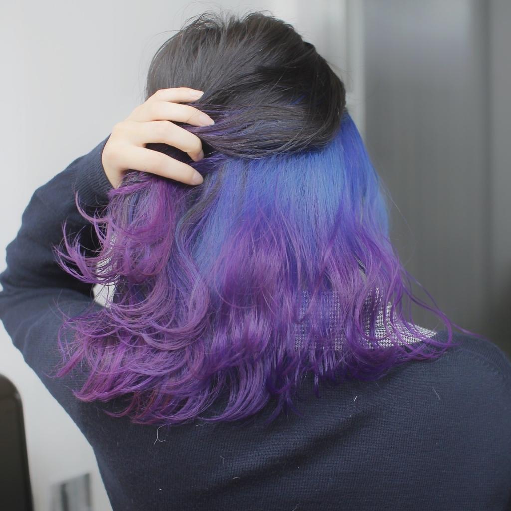 ヘアスタイル ヘアカラー インナーカラー 青 紫 黒髪 ネイビー パープル ブラック ブルー