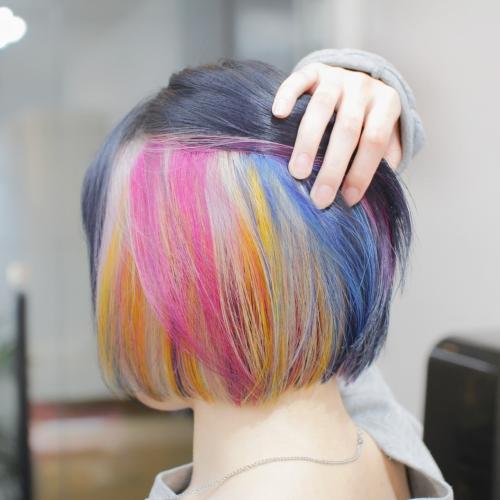 ヘアスタイル ヘアカラー インナーカラー 黒髪 カラフル ピンク