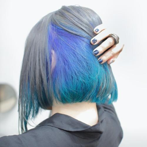 ヘアスタイル ヘアカラー インナーカラー 黒髪 青 緑 エメラルド シルバー ターコイズ ブルー
